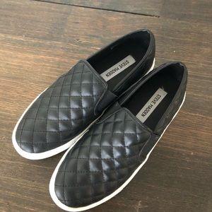 Steve Madden Patent Leather Slip-On size 9